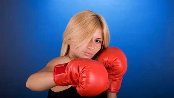 boxing, girl, blue background