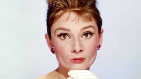 breakfast at tiffanys, audrey hepburn, holly golightly