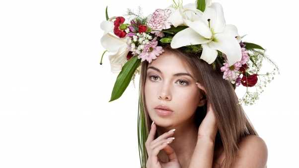 brunette, wreath, flowers