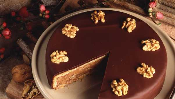 cake, chocolate, nuts