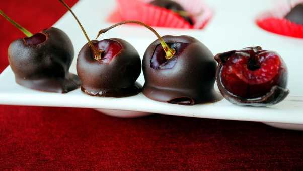 cherry, chocolate, glaze