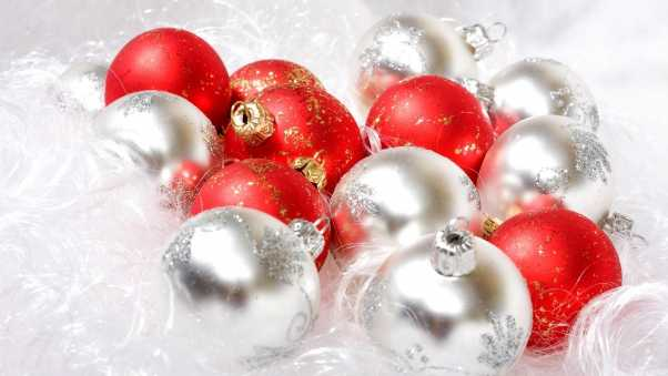 christmas decorations, balloons, different