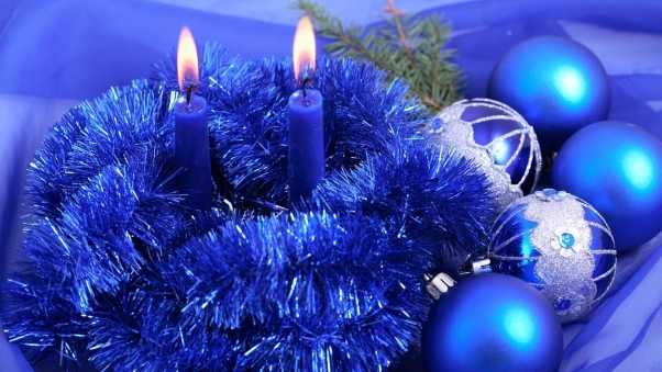 christmas decorations, candles, tinsel