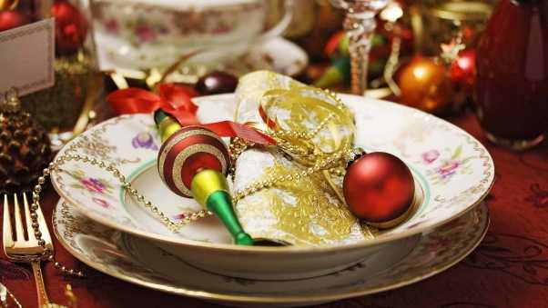 christmas decorations, ornaments, utensils