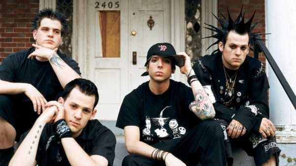 good charlotte, door, cap