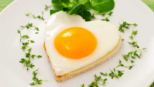 heart, fried eggs, yolk