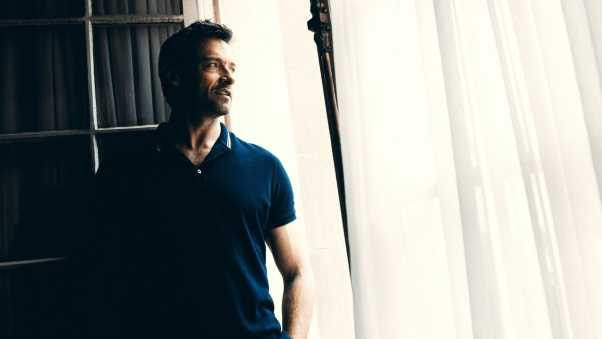 hugh jackman,  window, stand