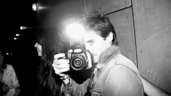 jared leto, black white, camera