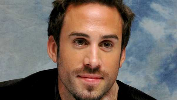 joseph fiennes, brunette, brown-eyed