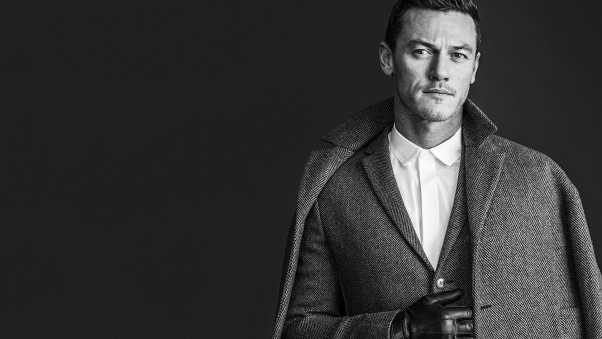 luke evans, actor, coat