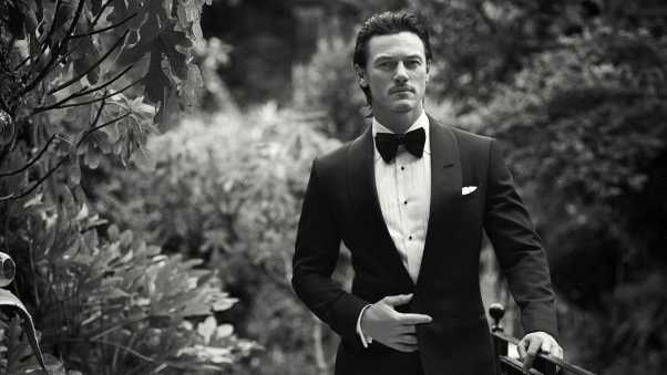 luke evans, actor, costume