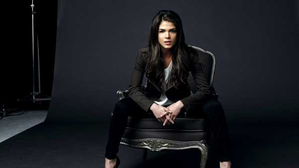 marie avgeropoulos, actress, brunette