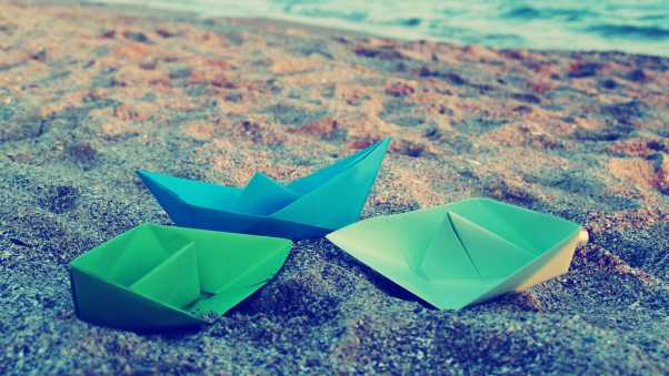 paper boats, origami, surface