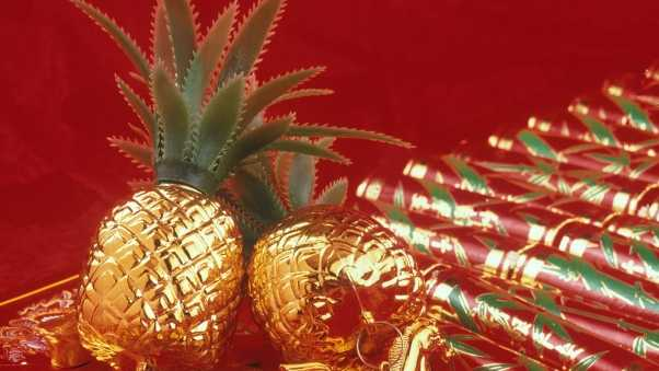 pineapples, figurines, gold
