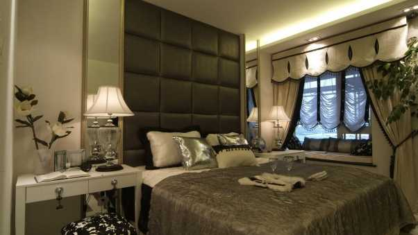 room, bed, lamps