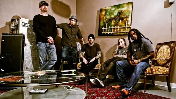 sevendust, room, table