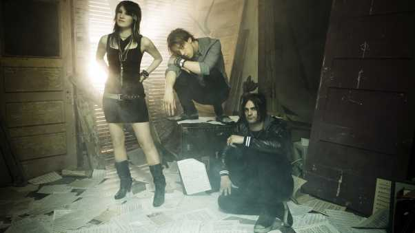 sick puppies, girl, room
