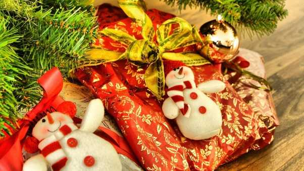 snowmen, gifts, christmas decorations