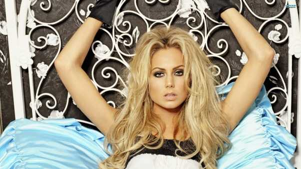 stacy keibler, bed, face