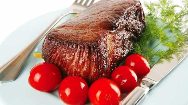 stake, meat, tomatoes