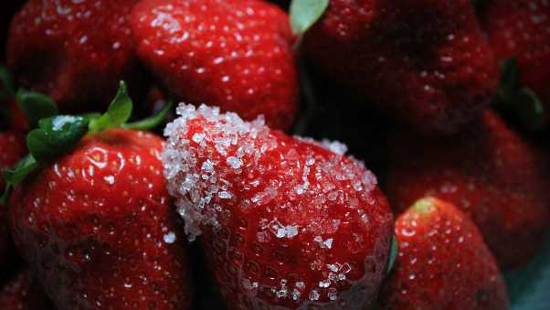 strawberries, ice, snow