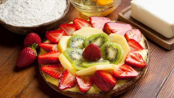 strawberry, kiwi, pie