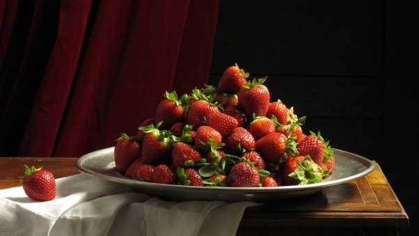 strawberry, plate, red