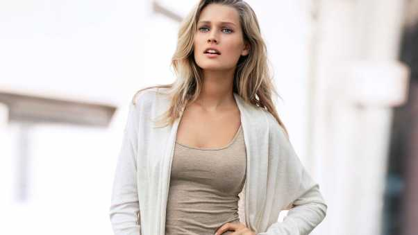 toni garrn, look, mike